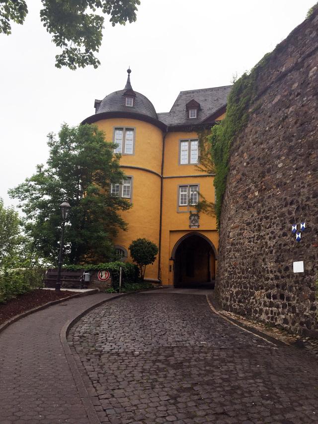 chateau-montabaur2