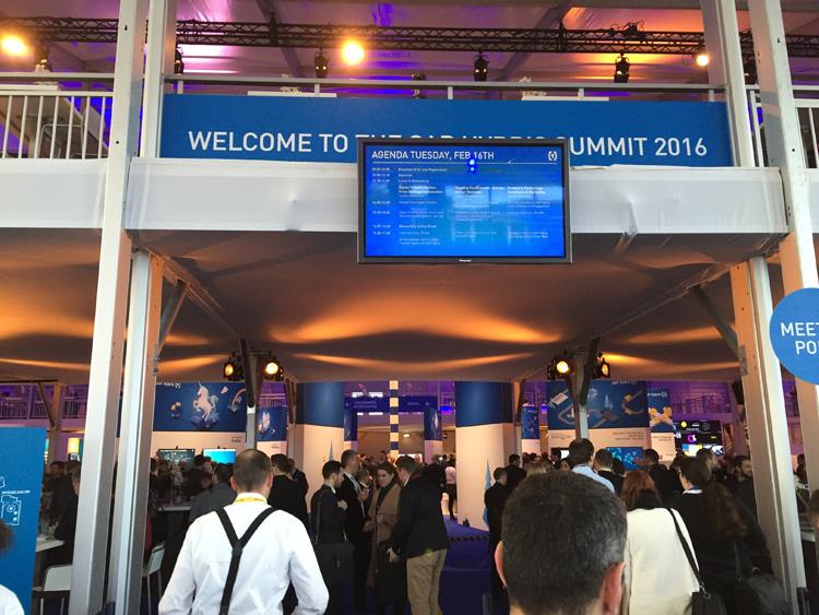 Même lieu (Zenith de Munich), dispositif renforcé et fréquentation en très forte hausse (plus de 2500 personnes) pour cette édition 2016 du Summit Hybris qui réunissait cette fois clients et partenaires dans un même lieu et un même temps
