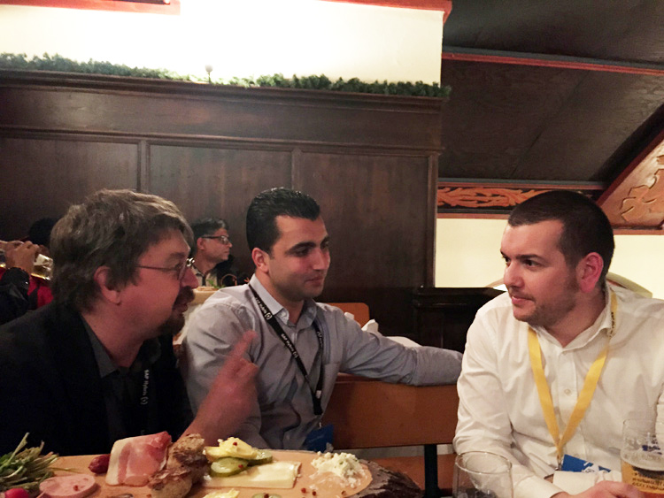 Moments conviviaux avec Stéphane Suet qui nous suit chez SAP Hybris et aime particulièrement notre équipe et nos projets.