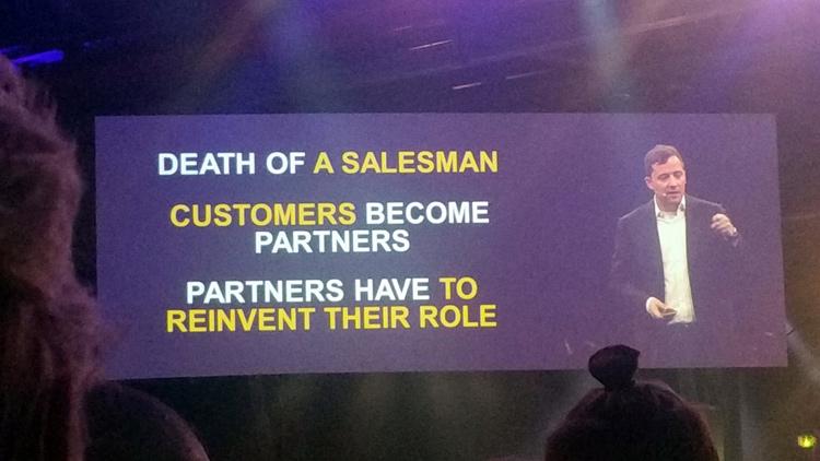 Carsten Thomas n'y va pas en douceur: pour lui le vendeur est mort, les clients deviennent des partenaires et du coup les partenaires de SAP Hybris doivent réinventer leur mission