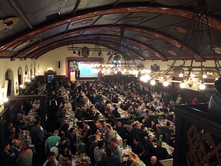 La salle principale de la brasserie Augustiner Keller était pleine à craquer lors de la soirée partenaires.